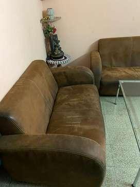 3+2+1 executive sofa set in very good condition