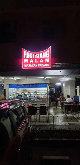 Dibutuhkan Segera 5 KASIR dan 5 PALUNG/Waiters Rumah Makan Padang.