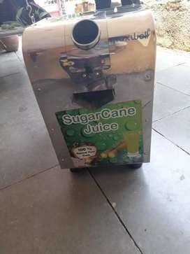 Sugarcane Juice Machine (रसवंती)