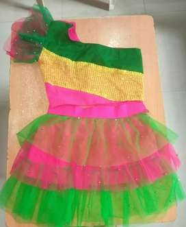 Girl's (7-11yrs) dance costume