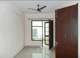 700 sqft spacious 1 BHK Builder Floor available for rent in Sec-42