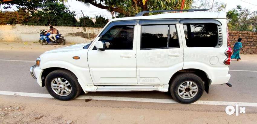 Mahindra Scorpio VLX 2WD Airbag BS-IV, 2012, Diesel 0