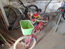I want to sell my bicycle both at ₹2000