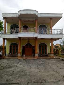 Rumah mewah besar