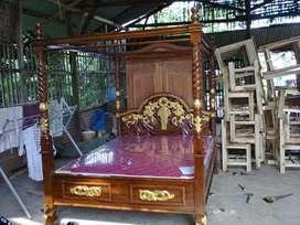 Tempat tidur dipan ukir klasik