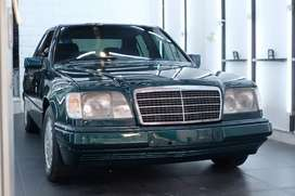 Mercedes Benz W124 E320 LOW KILOMETER