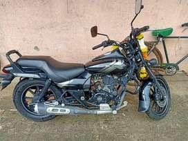 Bajaj Avenger 180cc black showroom condition