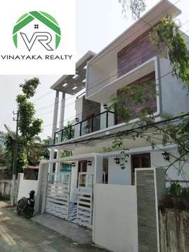 2200sqft 4bhk new house on 3.7 cent for sale near Bypass, Thammanam.