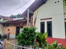 Rumah kampung siap huni dan padat penduduk