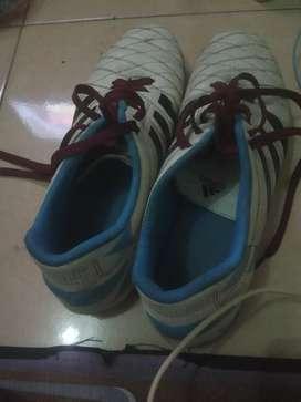 Jual sepatu futsal ori warna putih