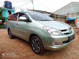 Toyota Innova istimewa rawatan low KM