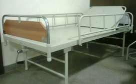 Hospital bed / semi fowlors bef