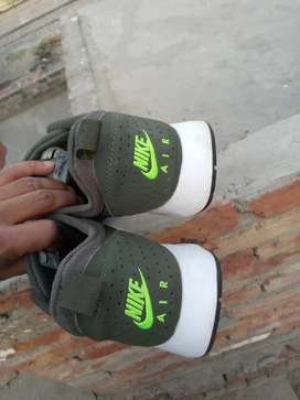 Nike  orignal Air Max tavas sneakers size 45 condition good for sale