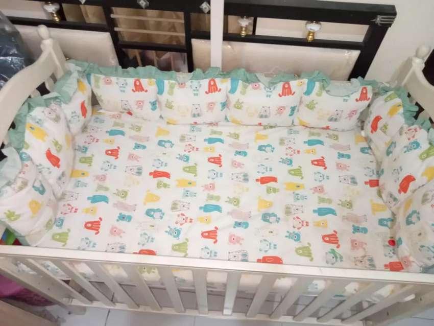 Box bayi kayu/ Ranjang bayi/ tempat tidur bayi les' elephant