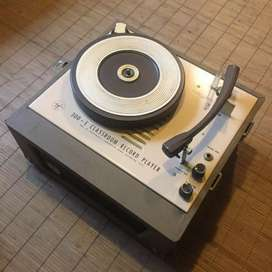 4 speed antique record player
