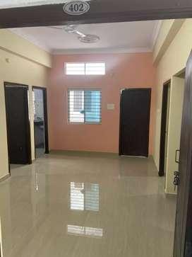 Flat for sale 2bkh