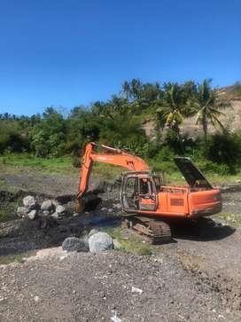 Sewa excavator + operator