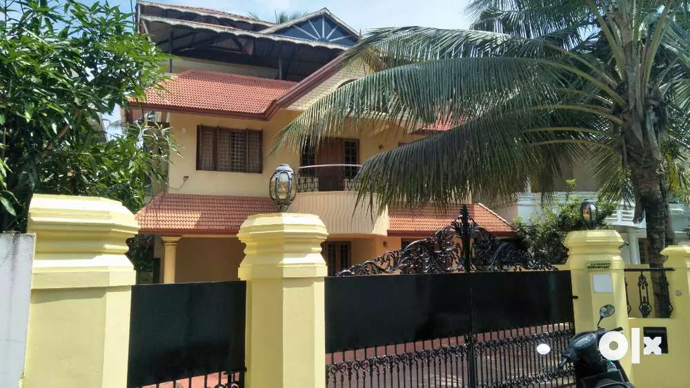 8cent 2500dqft 4bhk independent house for sale in edappally ponekkara