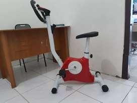 Vanbelt fitness bike new/Tersedia Treadmill