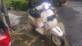 Saya ingin jual motor vespa lx 150