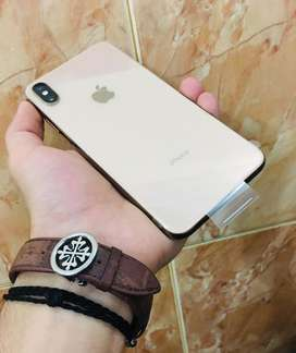 Iphone xs max Gold 256 Gb. 10/10 mint condition.
