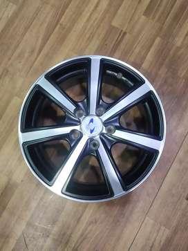 New Alloy Wheels for Kia Sheltos, Toyota Innova, Crysta, Hyundai Creta