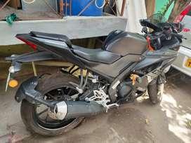 R15 v3 black