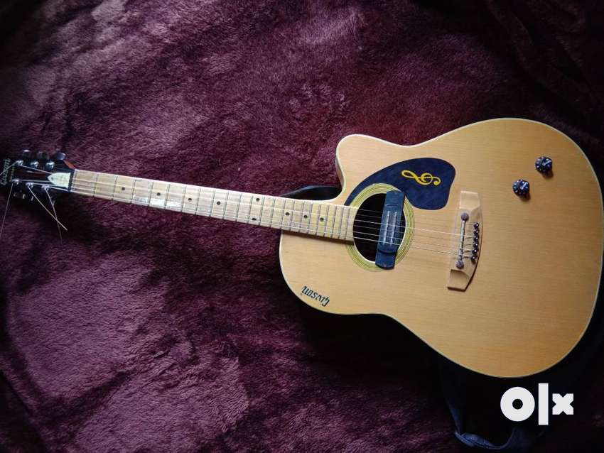 Givson acoustic guitar 0
