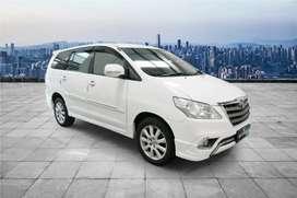 Toyota Inova G bsn At 2013 km +/-73.000