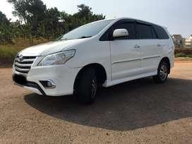Toyota Grand innova V 2.5 diesel 2014 AT super white