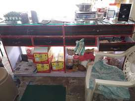 Shop counter urgently sale