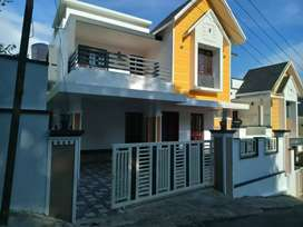 4.cent 1900 sqft 3 bhk new build villa at kakkanad near navodhaya