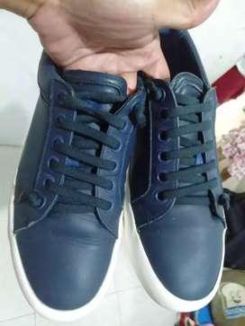 Sepatu Sneakers Camper
