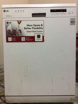 LG Dishwasher - 3 years old, Urgently want to Sell.