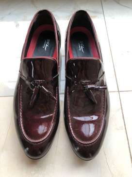 Brand new branded leather shoe