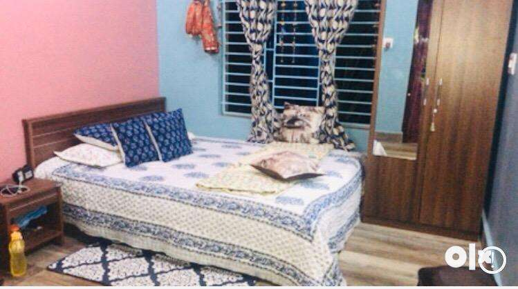 5/6 Bed +bed side table + wardrobes for sale 0