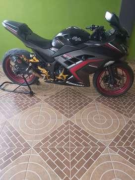 Di Jual Kawasaki Ninja 250 FI ABS Spesial Edition