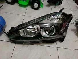 Headlamp lampu depan sienta tipeV
