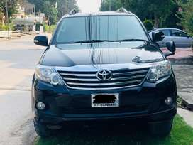 Fortuner 2015 top of the line , islamabad no, b2bumper origional jeep