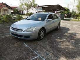 Mobil Honda Accord th 2004 IVTEC Matic
