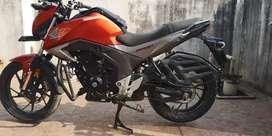 Honda hornet CB160R