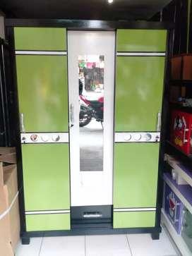 Lemari pakaian sliding murah pintu 3 warna hijau muda bahan triplekkkk