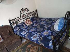 Bed and matras