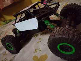 New RC rock crawler monster truck 2.4GHz remote control.