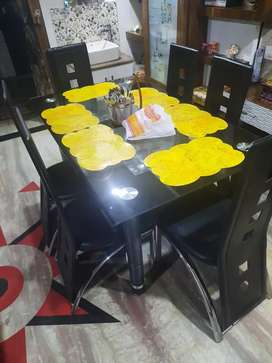 6 seater dinning table
