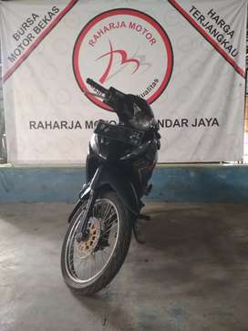 Revo 2015 plat B (Raharja motor) 4436
