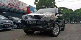 Toyota Fortuner G AT 2012 Diesel Hitam KM 50rbuan mulus