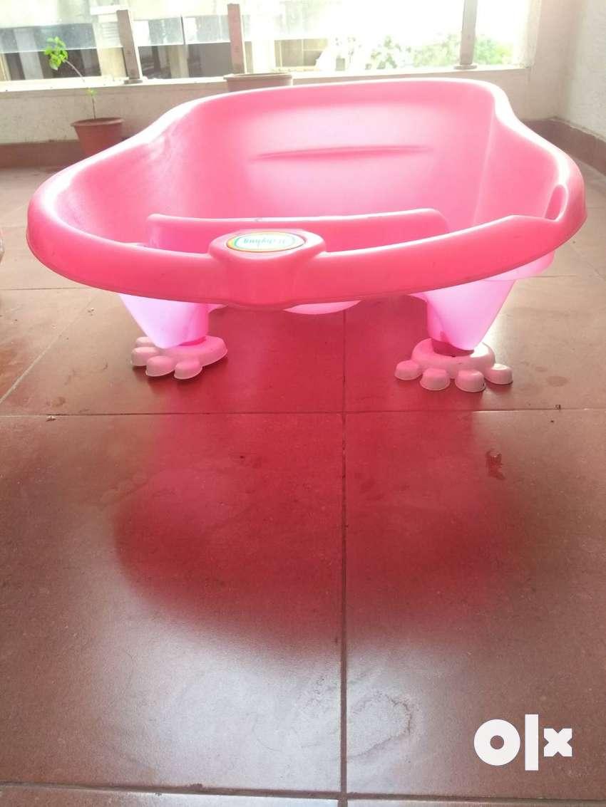 Baby bath tub 0