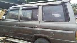 Kijang super minibus