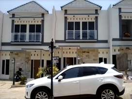 Rumah Mewah View Kolam Renang 2Lantai Harga Minimalis
